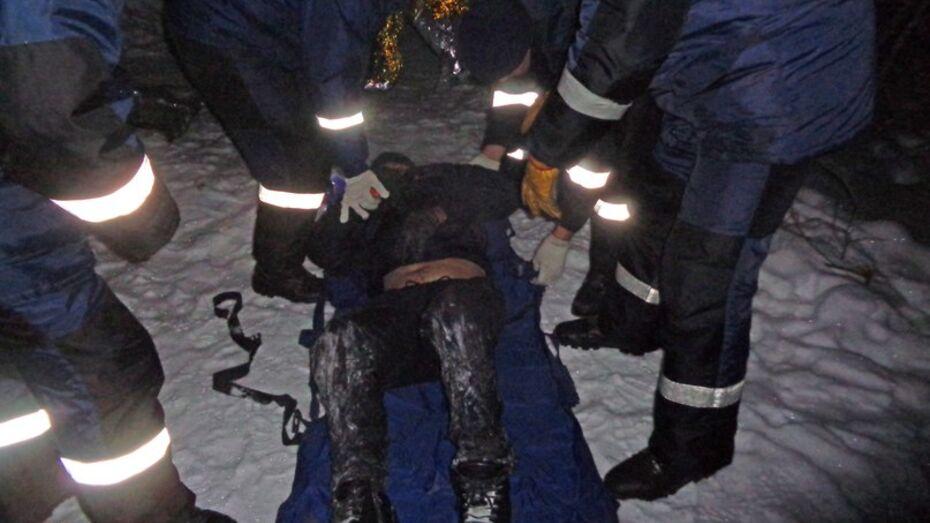 В Воронеже спасатели нашли в лесу замерзшего мужчину