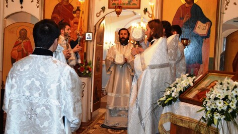 Репьевцам вручили церковные награды за благотворительность и помощь в восстановлении храма