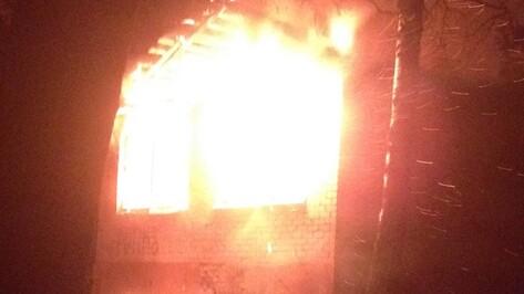 В Воронежской области загорелся заброшенный санаторий «Углянец»