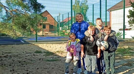 Общественники обустроили спортплощадку на месте пустыря в Лисках