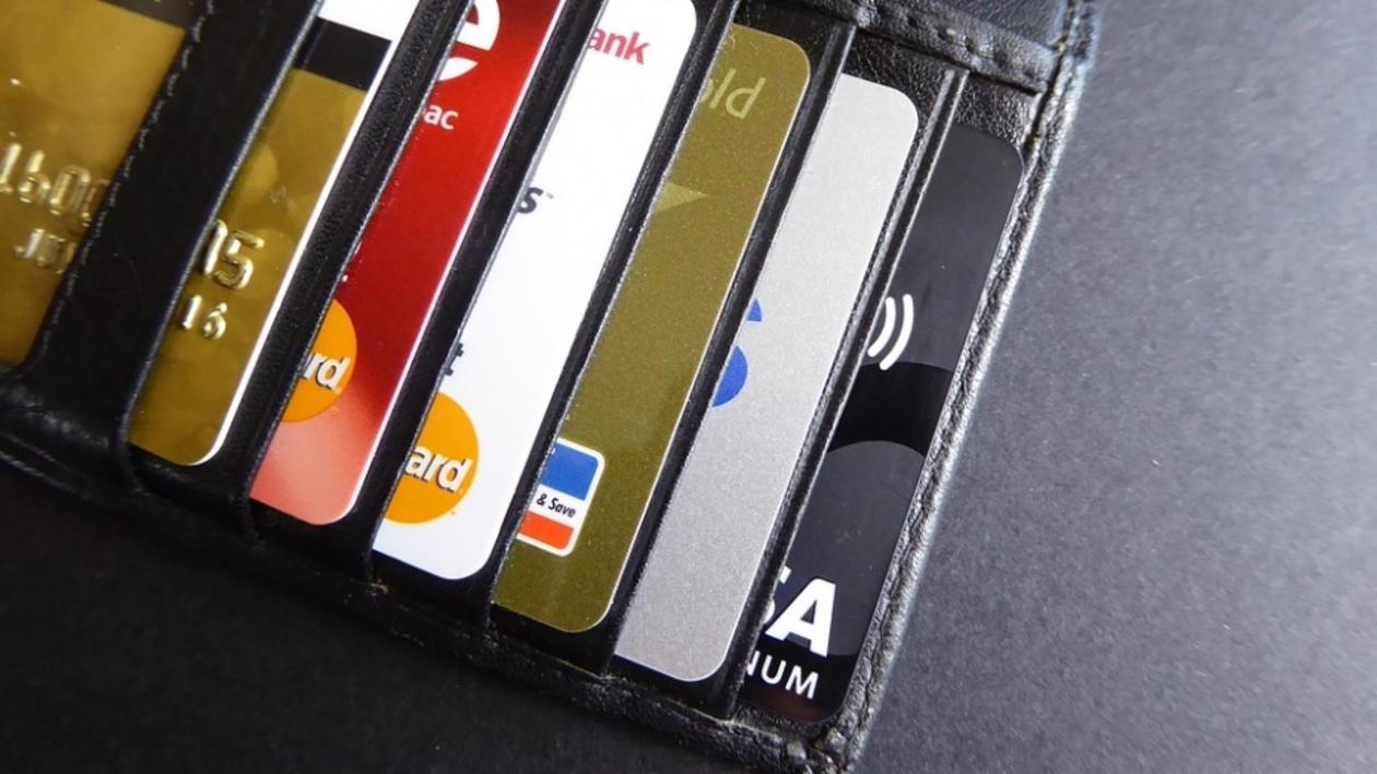 Не отдавать даже на минуту. Воронежские эксперты раскрыли правила защиты банковской карты