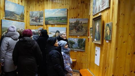 В Нижнедевицке представили картины местного художника Алексея Легостаева