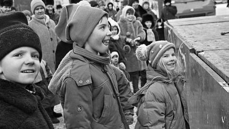 Как воронежцы встречали Новый год в 90-е (ФОТО)