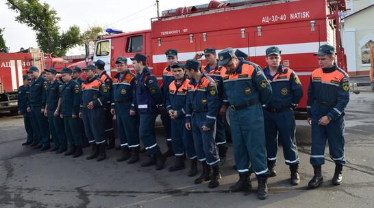 Тушить пожары в Рамонском районе помогли 26 калужских спасателей