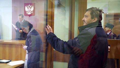 В Воронеже отправили в СИЗО водителя Mercedes, который специально сбил курсанта МЧС