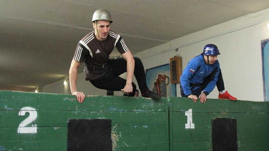Пожарные устроили в Воронеже зимние спортивные состязания