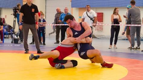 Борцы из Воронежа завоевали 10 медалей на всероссийском турнире
