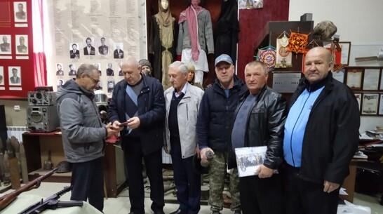 В хохольские музеи передали награды двух воинов-афганцев