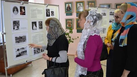 В Россоши открылась выставка снимков последнего русского императора