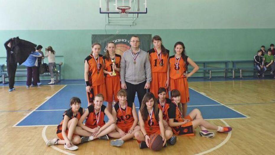 Бутурлиновские баскетболистки завоевали бронзу в региональном этапе школьной баскетбольной лиги