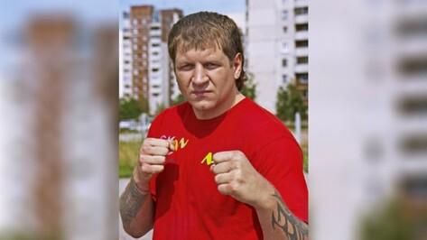 Боец Александр Емельяненко задержится в воронежской колонии на месяц
