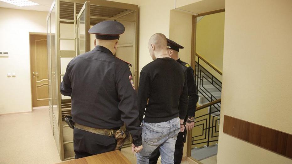 «Фильмов насмотрелся». В Воронеже судят парня, заступившегося за мать