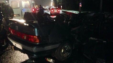 Два человека пострадали в ДТП с 3 машинами в Воронеже