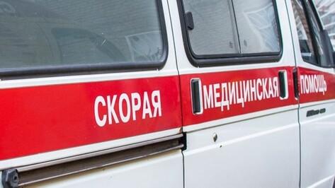 В Воронеже при столкновении 2 иномарок на тротуаре сбили женщину с 5-месячным ребенком