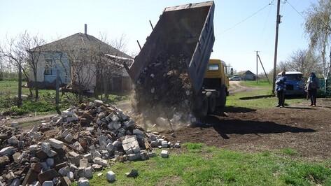 Житель Москвы за свой счет отремонтировал дорогу в репьевском селе
