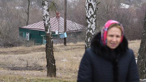 «Так легче». Жительница Белгорода вернулась в воронежское село ради могилы брата-афганца