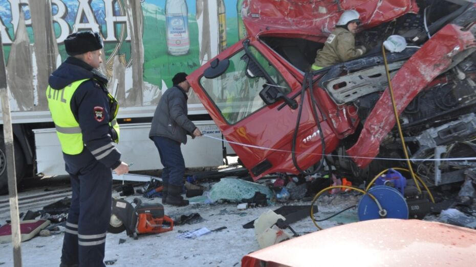 Медики рассказали о состоянии пострадавших в ДТП с автобусом в Воронежской области