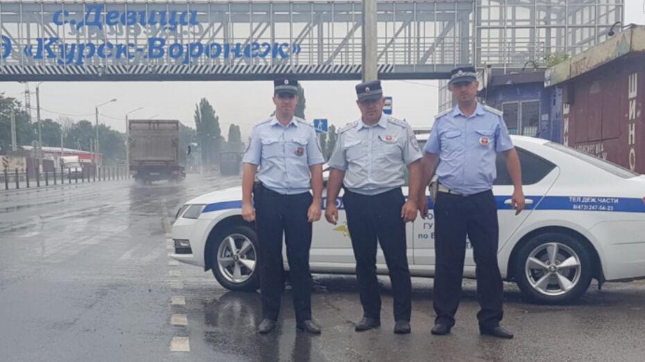В Воронежской области сотрудники ДПС спасли мужчину от анафилактического шока