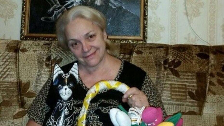 Мама Михаила Горшенева получила от воронежских фанатов тряпичные тюльпаны