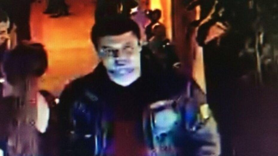Отец подозреваемого в убийстве в центре Воронежа: «Эдуарда чем-то обкололи в клубе»
