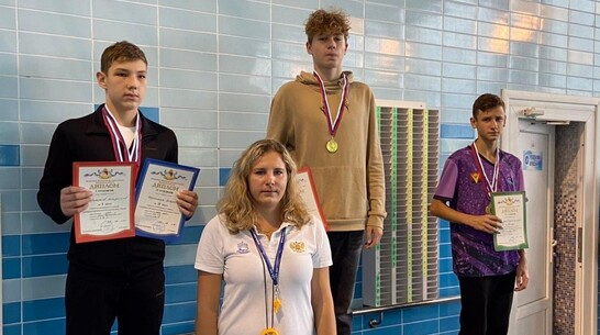 Борисоглебские пловцы взяли общекомандную «бронзу» в областных соревнованиях