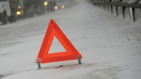 В Воронежской области в массовом ДТП с 5 машинами пострадала пенсионерка