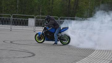 В Воронежской области мотоциклист отсудил у осужденного водителя 700 тыс рублей за ДТП