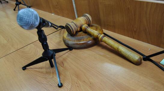 С якобы поджегшего машину экс-судьи воронежского гаишника сняли обвинение