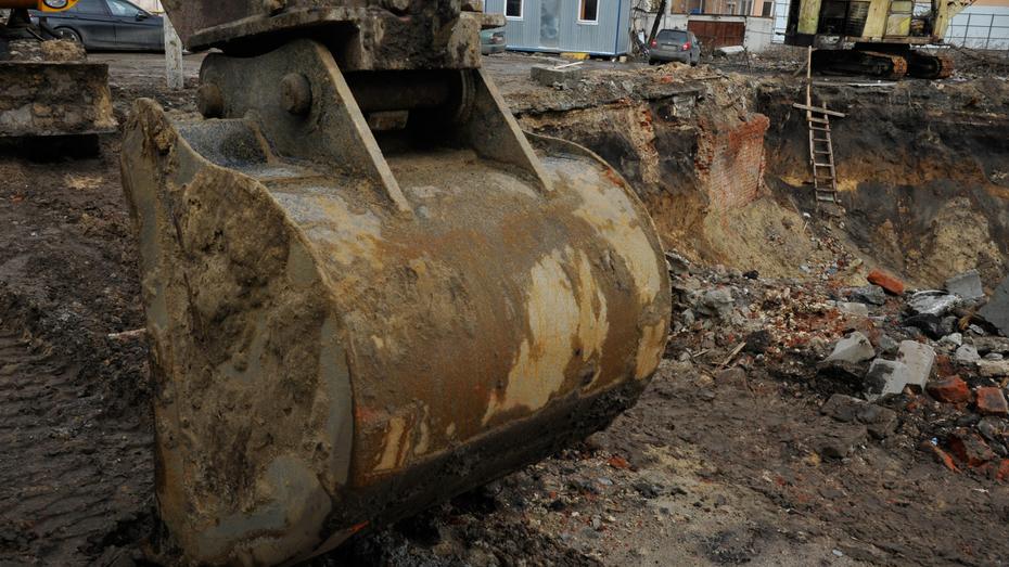 Воронежца насмерть придавило ковшом экскаватора в Нижегородской области