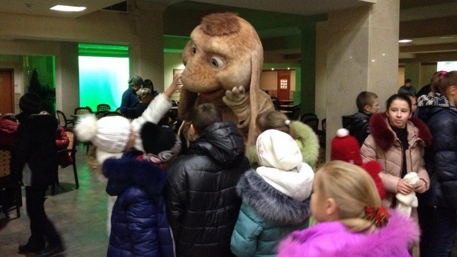 Первыми в Воронеже «Снежную королеву 2» посмотрели 210 воспитанников интернатов