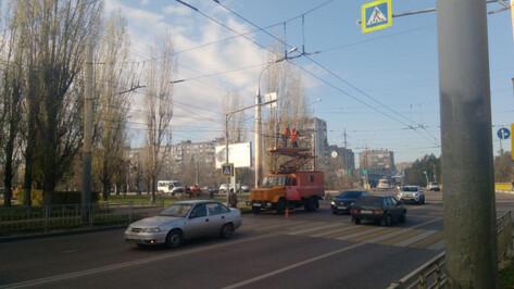 В Воронеже демонтируют контактную сеть для троллейбусов