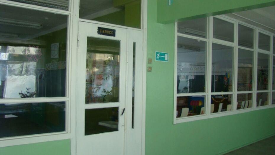 В Долиновской  школе Новохоперского района у учеников не получается списать на экзамене