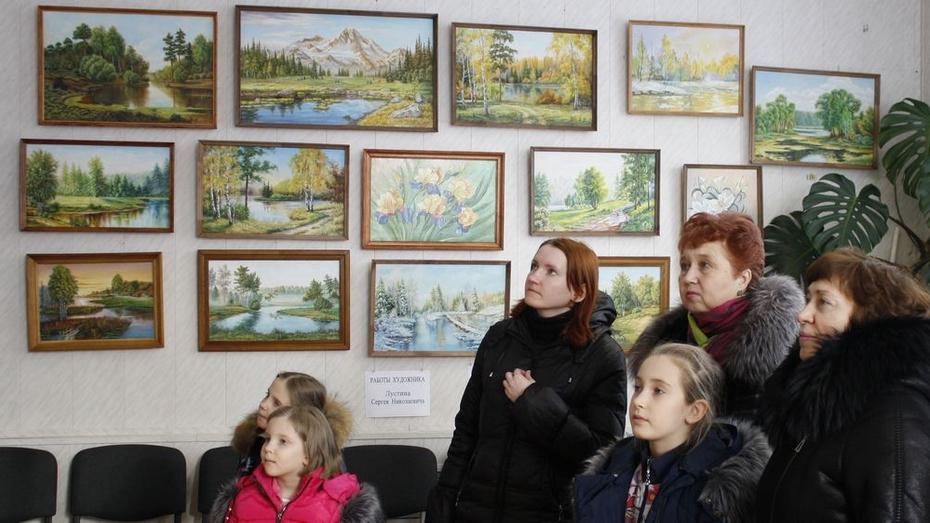 В Аннинском краеведческом музее открылась выставка местного художника
