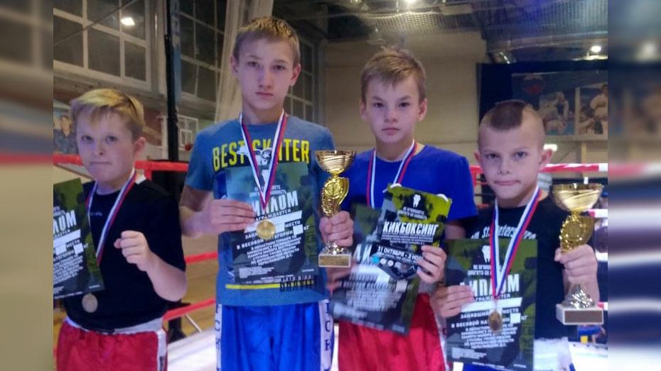 Кикбоксеры из Каменки получили 2 «золота» на межрегиональном турнире