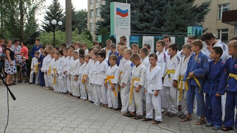 Бобровские дзюдоисты выиграли 10 золотых медалей