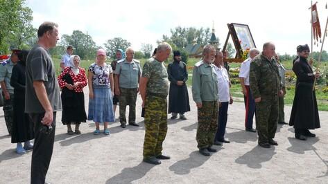 Через Подгоренский район прошел казачий крестный ход