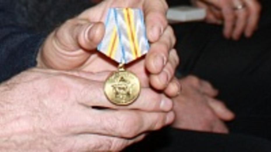 Хохольцы получили медали в честь 25-летия вывода советских войск из Афганистана