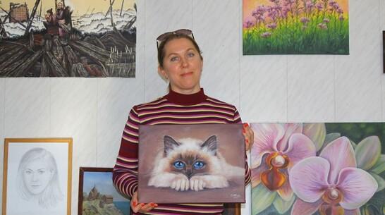 Выставка картин аннинского педагога открылась в краеведческом музее