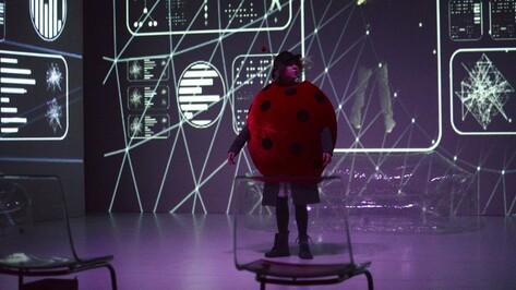 Театр «Практика» привез в Воронеж сказку для инфантильных взрослых