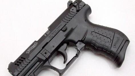 Двое воронежцев с игрушечным пистолетом напали на 77-летнего пенсионера
