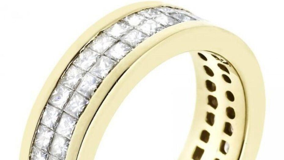 Встречаем Новый 2016 год: изящное золотое кольцо