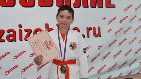 Школьник из Россошанского района стал чемпионом страны в смешанных боевых искусствах