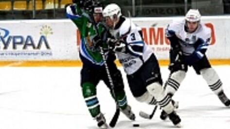 Хоккейный клуб «Россошь» на своей площадке взял верх над «Тверичами»