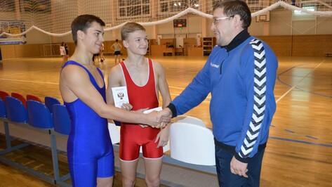 Двое эртильских борцов стали кандидатами в мастера спорта