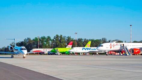 Из-за непогоды в Москве 5 рейсов приземлились в воронежском аэропорту