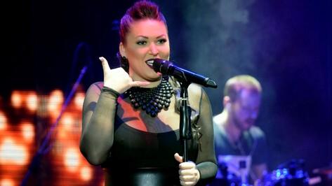 Певица Ирина Дубцова спела в Воронеже для бывшего мужа
