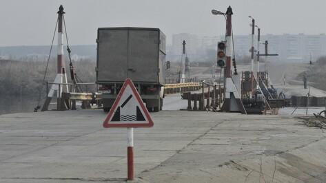 Из-за паводка под Воронежем разобрали понтонный мост