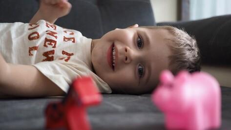 Получивший самый дорогой в мире укол от СМА воронежец Артем Мартынов пошел в детский сад