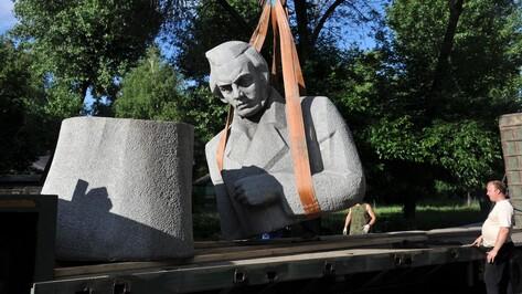 Памятник поэту Алексею Кольцову убрали с Советской площади в Воронеже