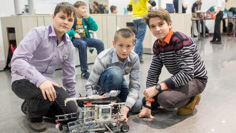 Аннинские школьники заняли 1 место на областном Робофесте